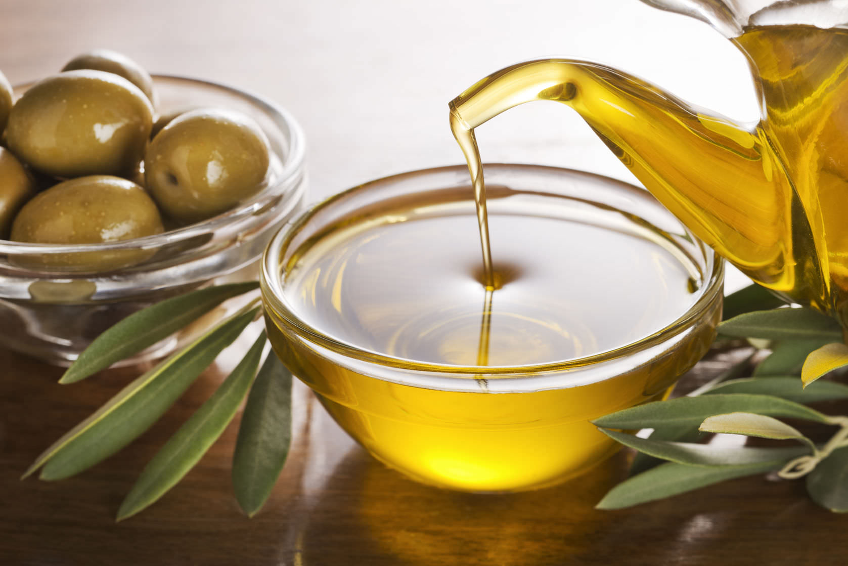 Extra Virgin Olive Oil: the green gold of the Mediterranean